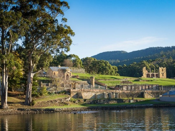 Convict and Peninsula Explorer including Port Arthur Historic site - Private tour