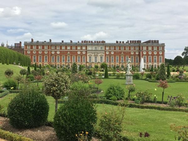 Day Tour to Windsor Castle and Hampton Court Palace